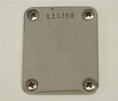 Neckplate con serial number L