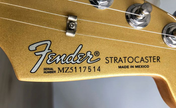 Limited Edition HSS Gold Sister Stratocaster (MIM) - Fuzzfaced