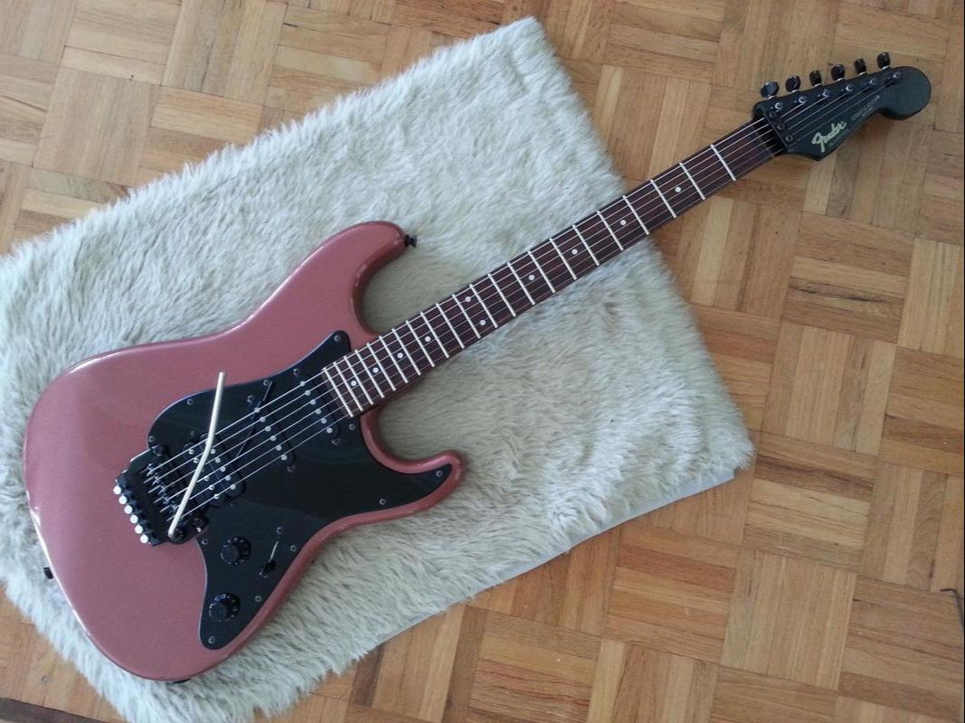 Contemporary Stratocaster 027-8100