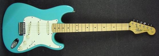 1993 Pacific Blue Fender Squier Series Stratocaster made in Korea (reverb.com)