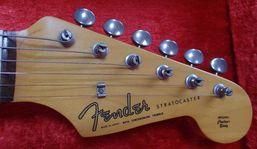 Very first domestic Strat headstock. The Spaghetti logo was larger than the original pre-CBS guitars.