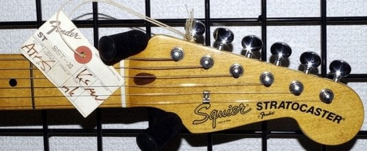 Squier SST-30 headstock