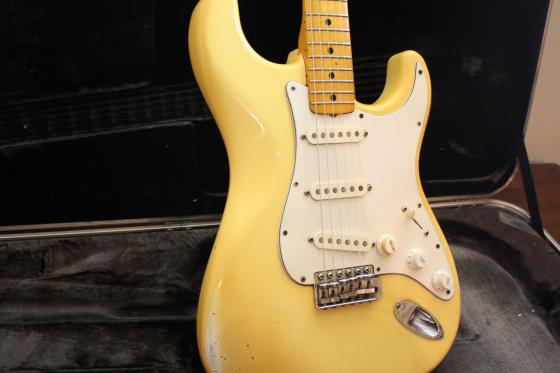 Front contour of the 1980 Hendrix Stratocaster