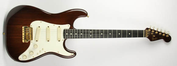 La Walnut Elite Stratocaster